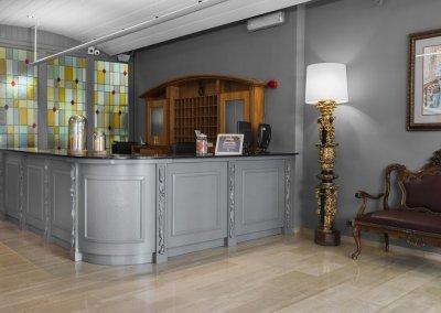 MESON CASTILLA ATIRAM HOTEL RECEPCION-min