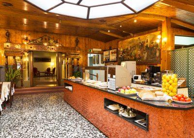MESON CASTILLA buffet 1