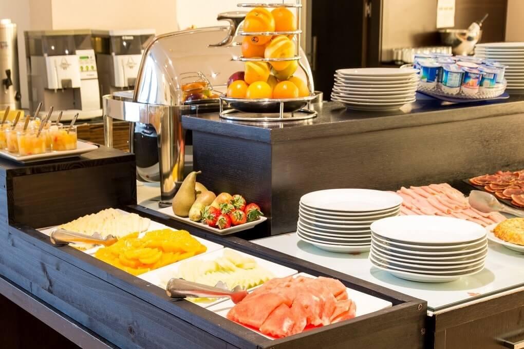 GRAN HOTEL DON MANUEL desayuno fruta