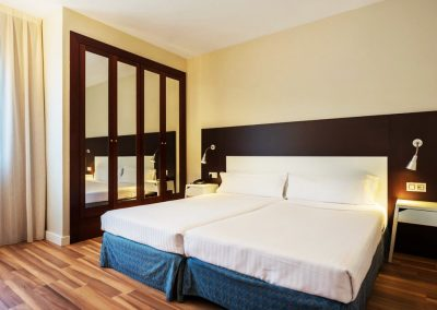Arenas Atiram Twin Room