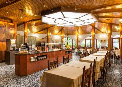 Mesón Castilla Atiram salón de desayunos