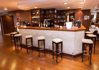 Centric Bar