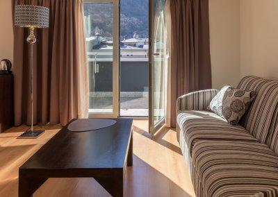 Centric suite Sofa-min