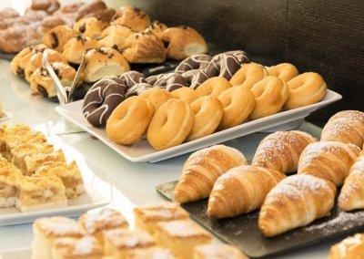GRAN HOTEL DON MANUEL desayuno bolleria