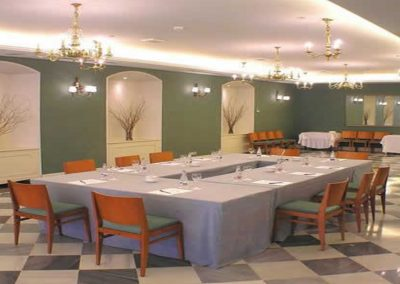 Oriente Atiram Sala de Reuniones