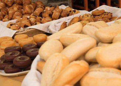 Patagonia breakfast buffet 3