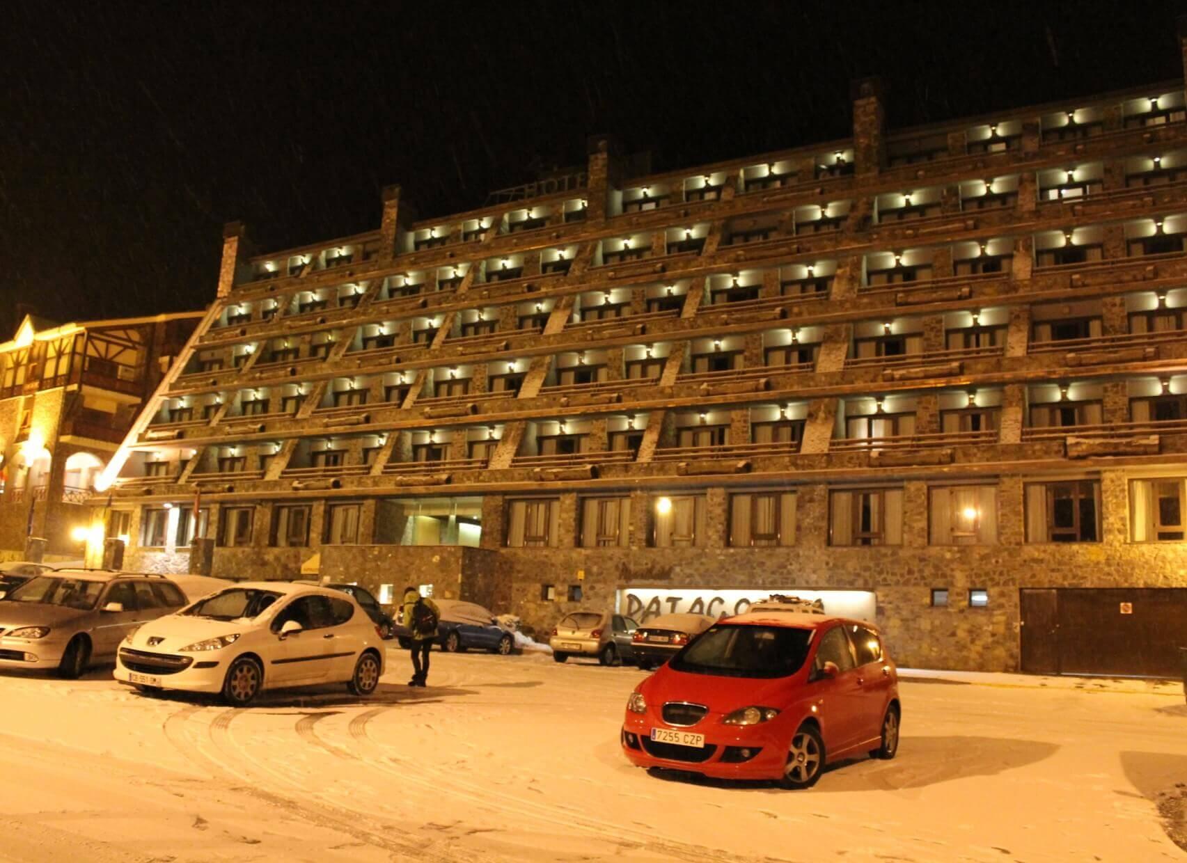Patagonia fachada nocturna