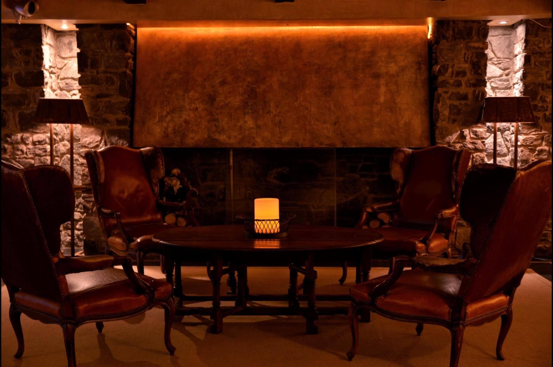 Patagonia-Salon-chimenea