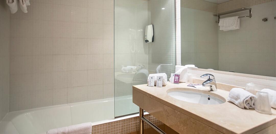 Annapurna studio bath