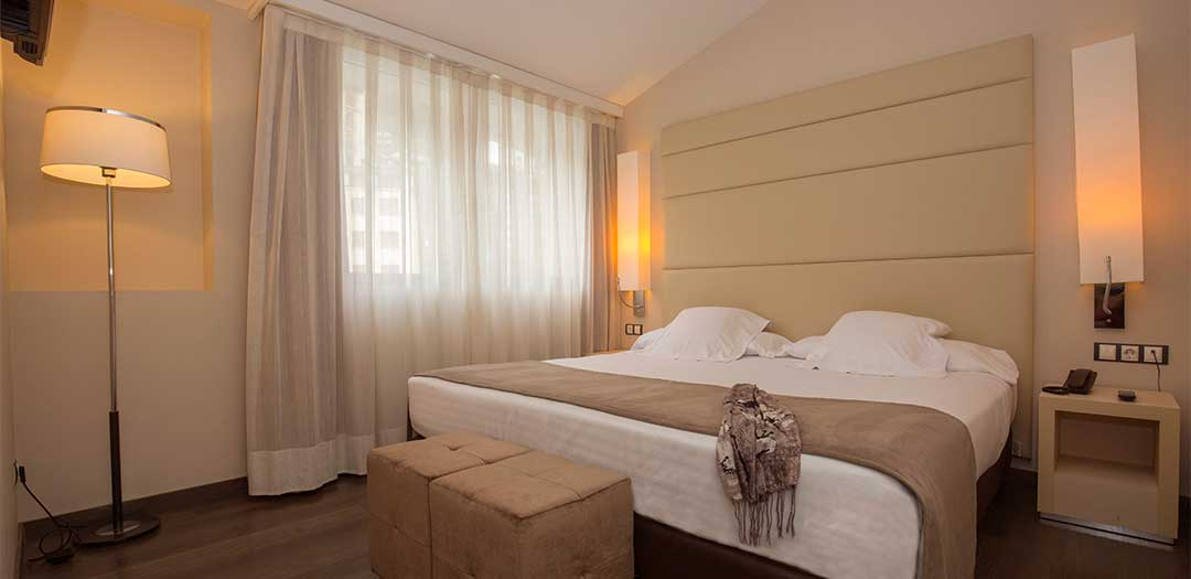 Mola_park_hotel_Junior_Suite_matrimonial2