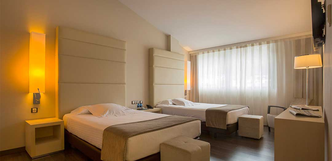 Mola_park_hotel_Junior_Suite_twin