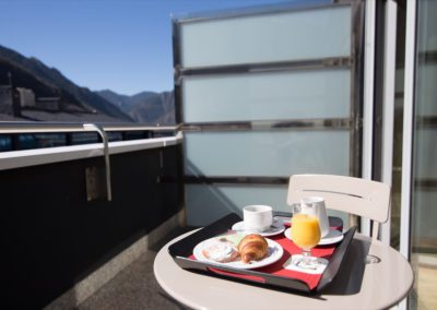 Centric-desayuno-en-terraza