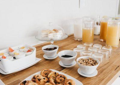 Arenas Atiram prima colazione
