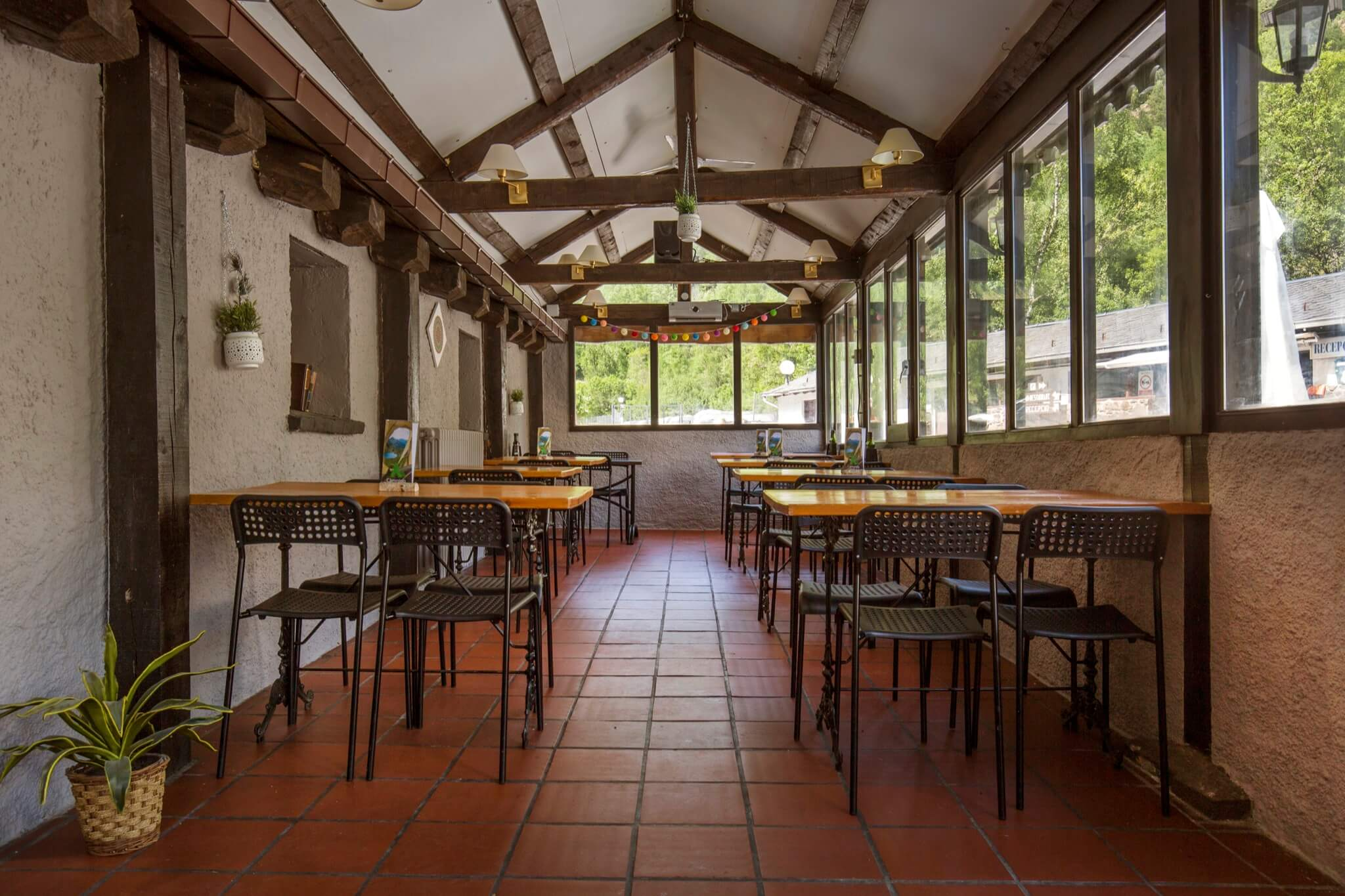 Annapurna_restaurante_verano1