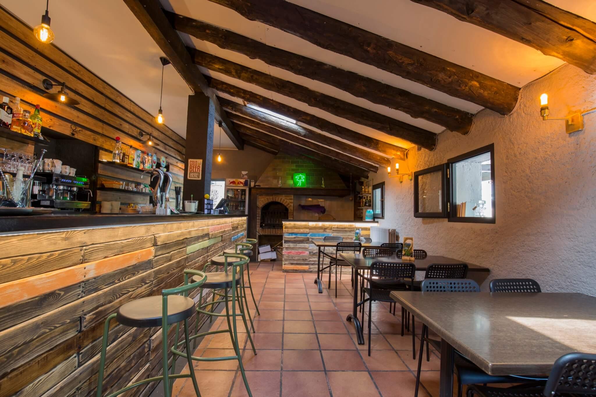 Annapurna_restaurante_verano_bar