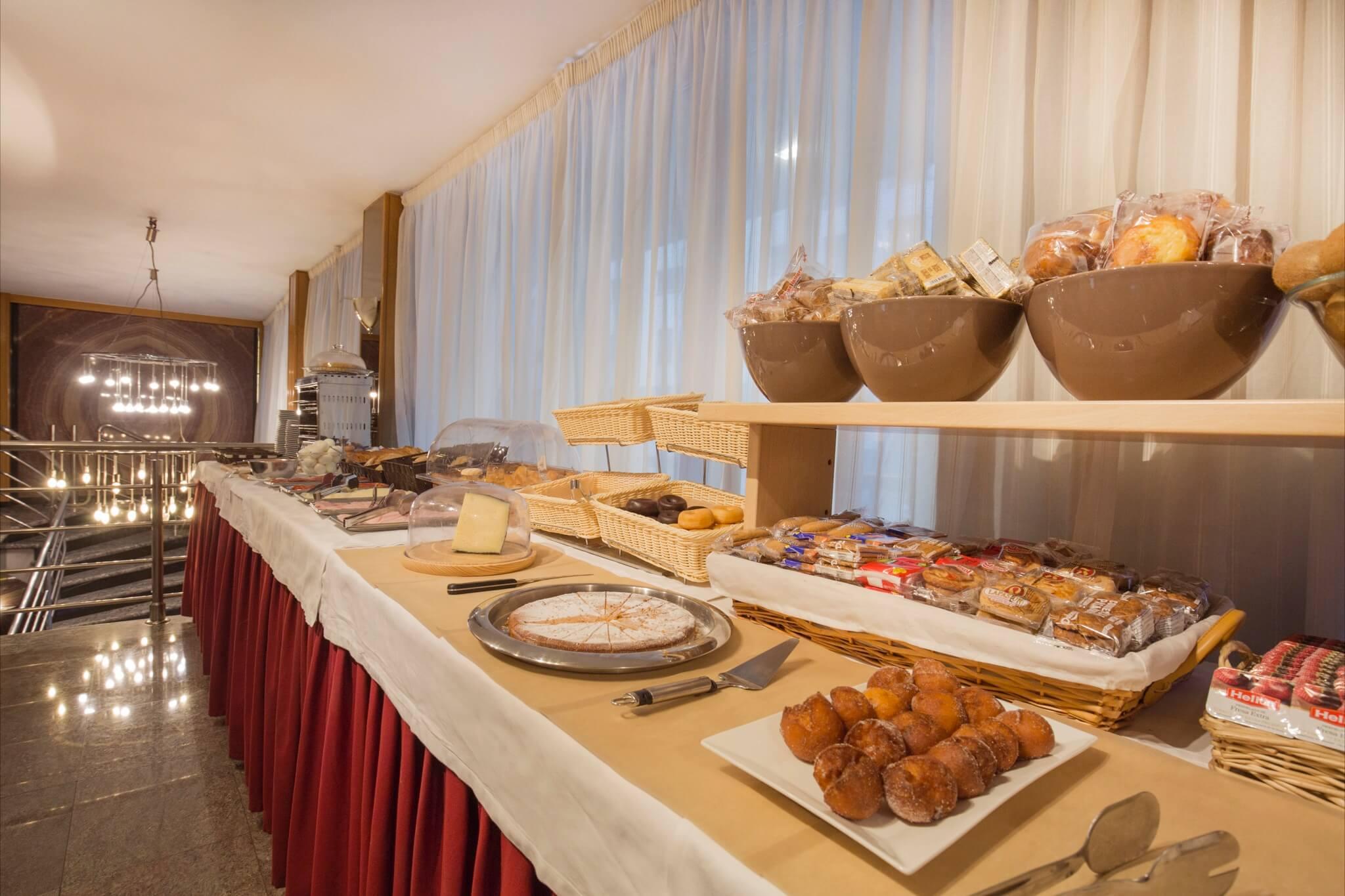 Imperial Bufet desayunos4_2048x1365
