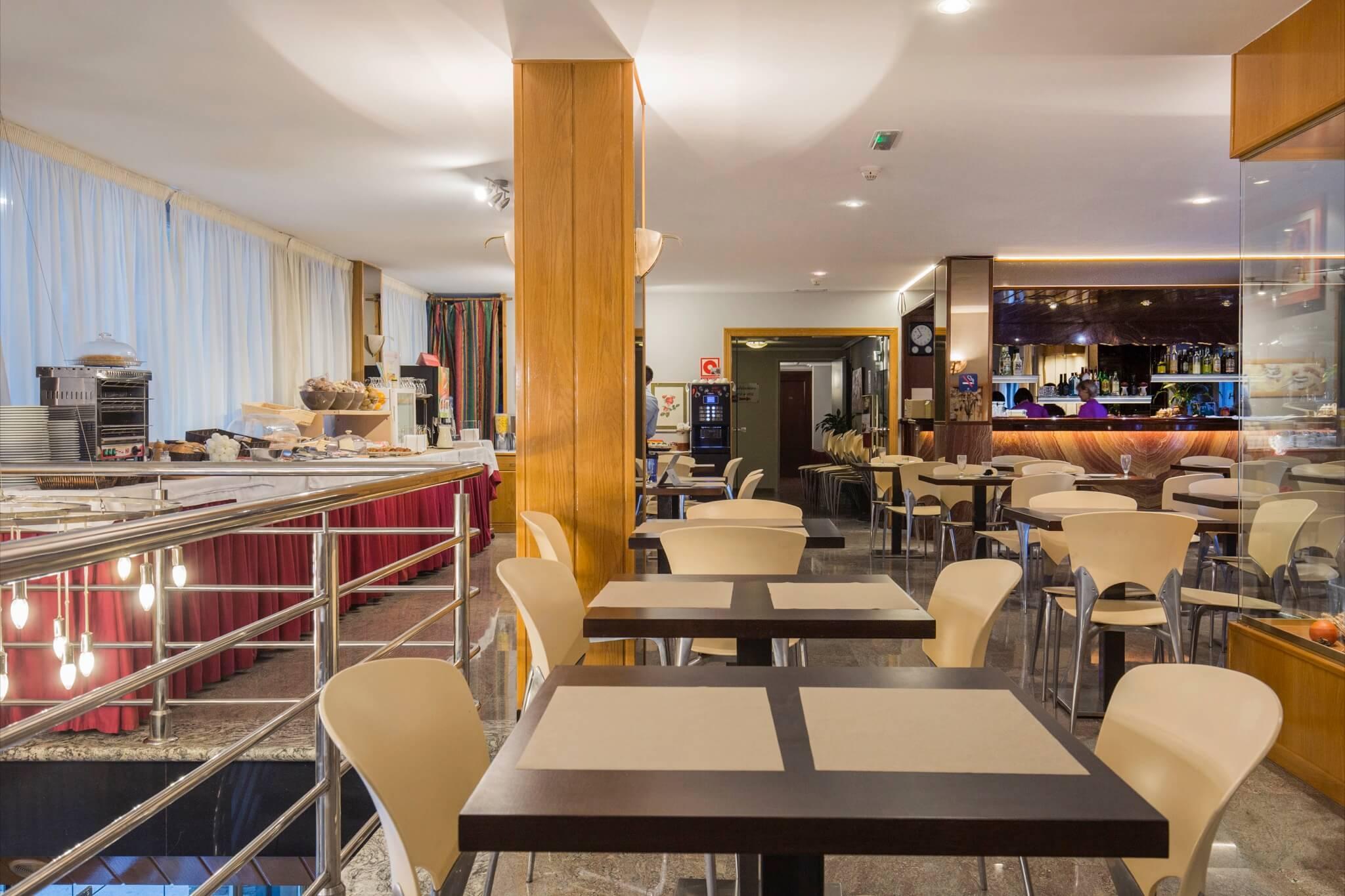 Imperial sala desayunos_2048x1365