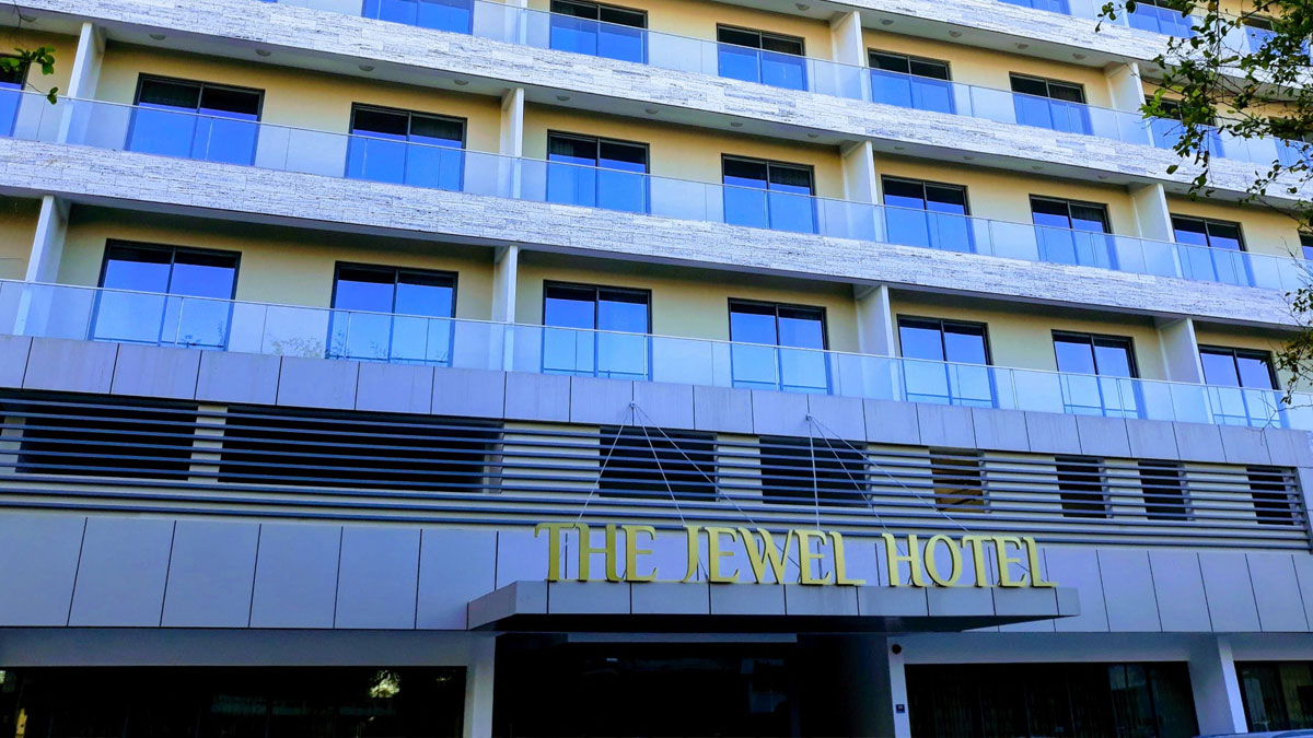 jewel-Hotel-Facade-Day
