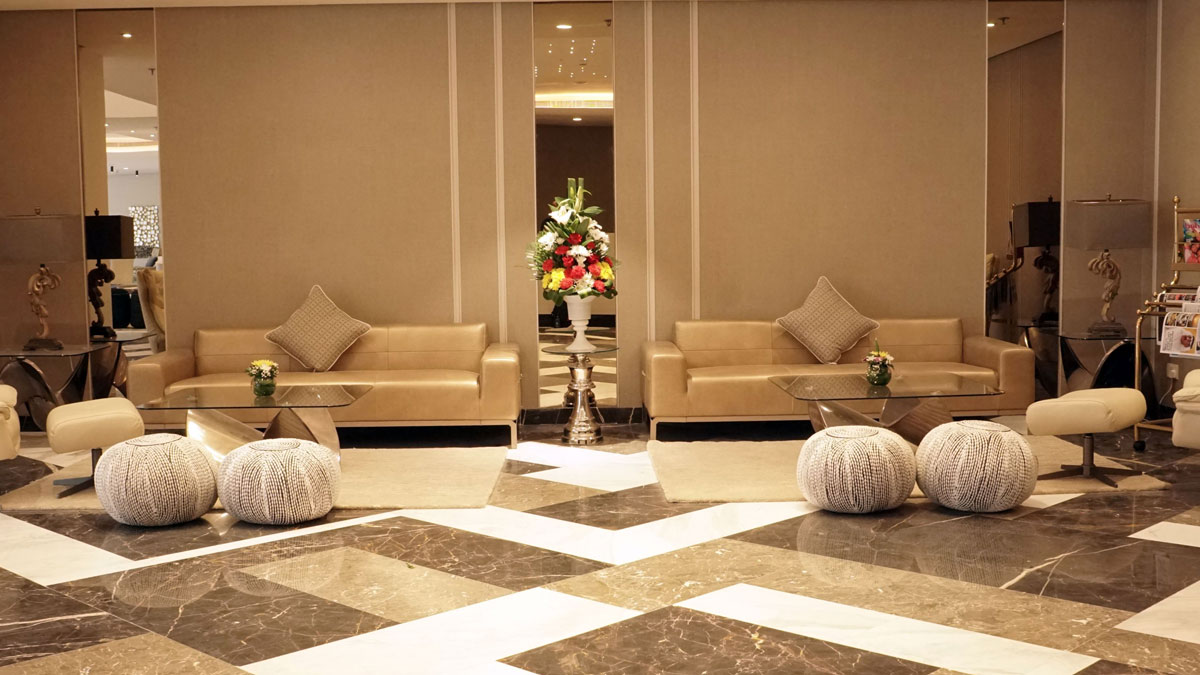 jewel-Lobby-Seating-5