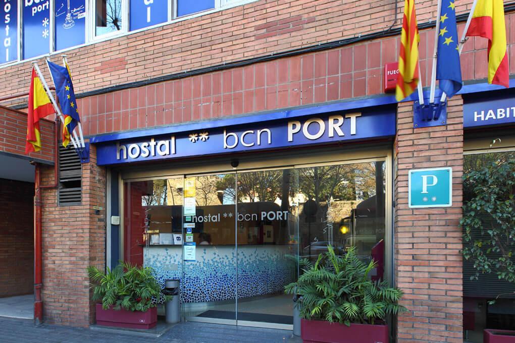 Entrada-Hostal-Bcn-Port-2